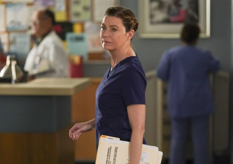 Primeiro dia de gravação da 18ª temporada de Grey's Anatomy é marcado por muitas fotos dos bastidores; confira
