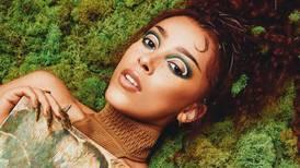 Doja Cat lança linha de maquiagem mística e inspirada nos elementos da natureza