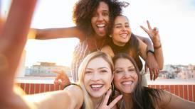 Sorrir deixa você mais feliz: 4 evidências científicas que comprovam essa teoria