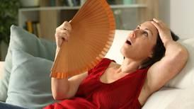 Observe suas menstruações antes da menopausa: estudo alerta que elas estão relacionadas a doenças cardíacas