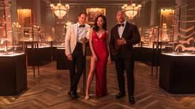 'Alerta Vermelho': filme da Netflix com Gal Gadot e Ryan Reynolds ganha trailer; assista aqui